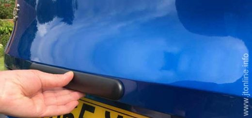 Scratch protection modification for Mazda CX-3 tailgate